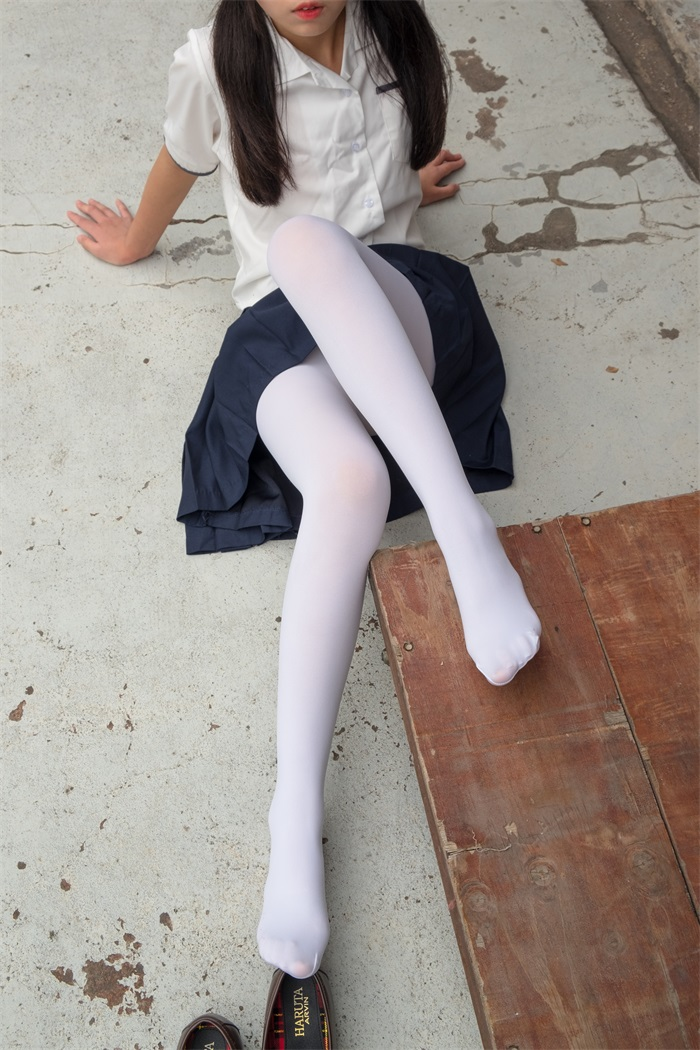 萝莉系列 森萝财团写真 R15系列-034 [102P/692MB] R15-第2张