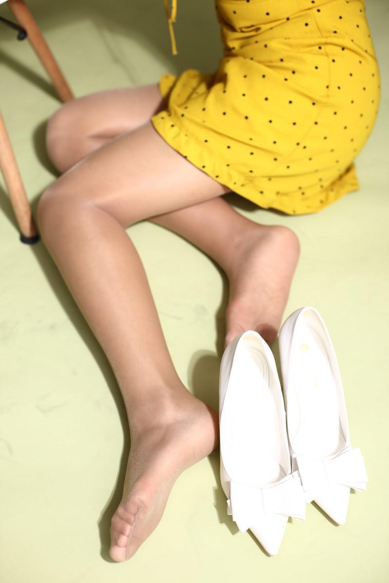 奈丝写真 NO.132:秀秀-芊芊秀腿 [38P/406MB] 奈丝写真-第2张
