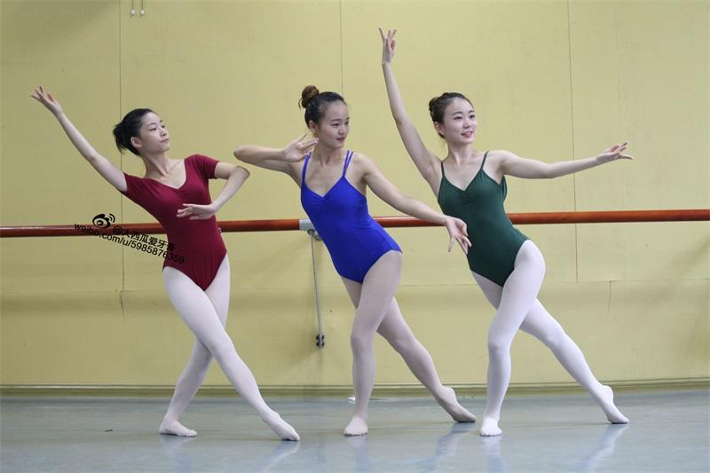 [大西瓜爱牙膏] W系列017 舞蹈家7-红绿蓝三姐妹 [220P/1.05GB] 大西瓜爱牙膏-第4张