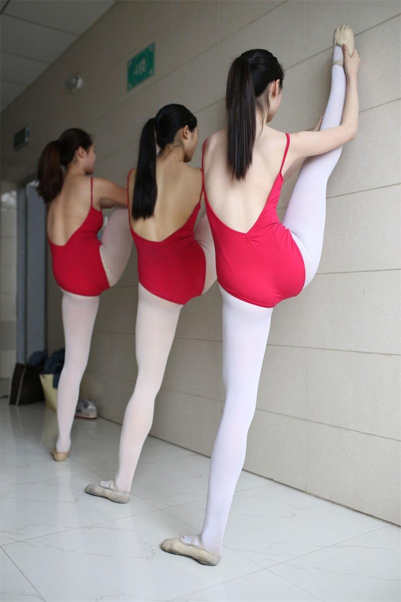 [大西瓜爱牙膏] W系列016 舞蹈家6-红衣三姐妹 [220P/1.05GB] 大西瓜爱牙膏-第2张