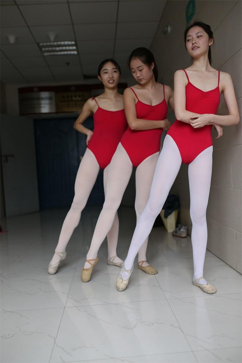 [大西瓜爱牙膏] W系列016 舞蹈家6-红衣三姐妹 [220P/1.05GB] 大西瓜爱牙膏-第1张