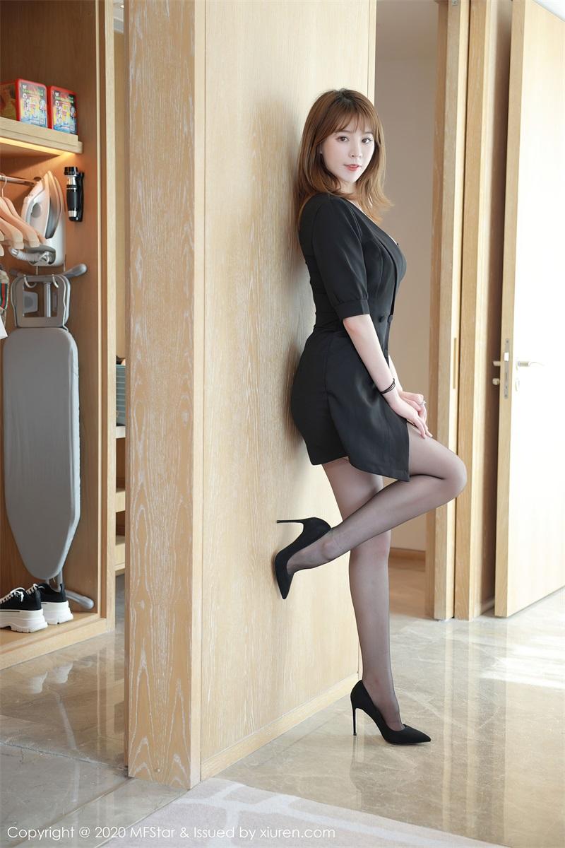 美女写真 典雅的抹胸礼裙 yoo优优 [55P/585MB] 美丝写真-第1张