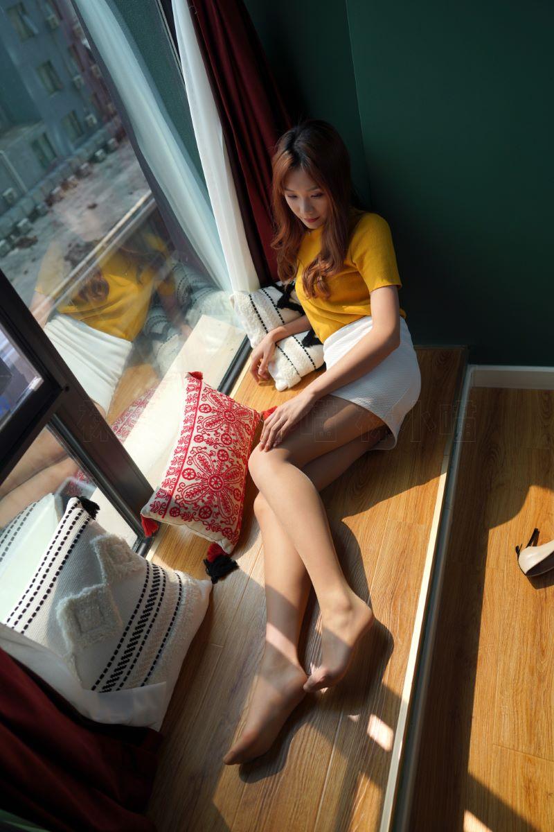 壹吻映画 YW015《笑笑·暖阳白裙》[100P/1V/1.60GB] 壹吻映画-第2张