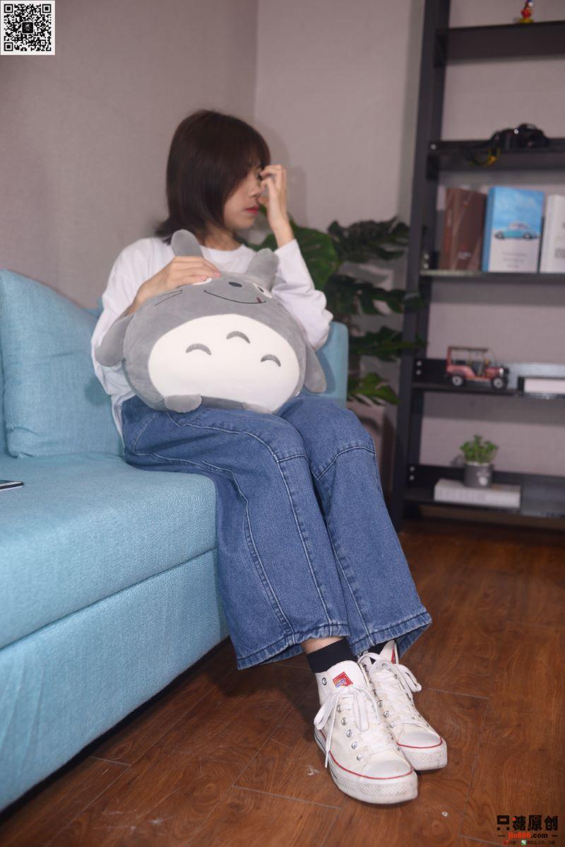 只糖棉袜 NO.296 懒懒 温度有点凉 路灯有点暖 [145P/1V/771MB] 只糖棉袜-第1张