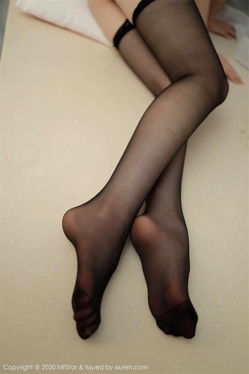 美女写真 黑丝与白丝的灵动 yoo优优 [42P/431MB] 美丝写真-第3张