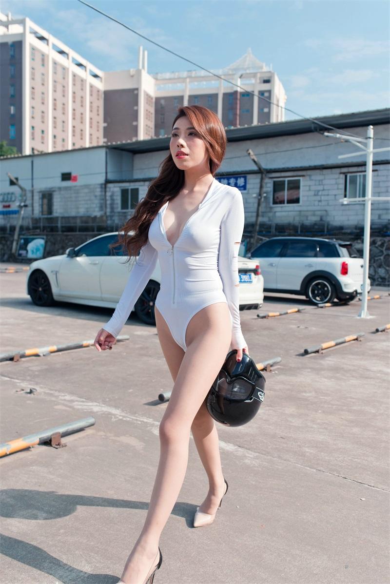 精选街拍 No.201 白色连体衣小姐姐 [105P/115MB] 精选街拍-第2张