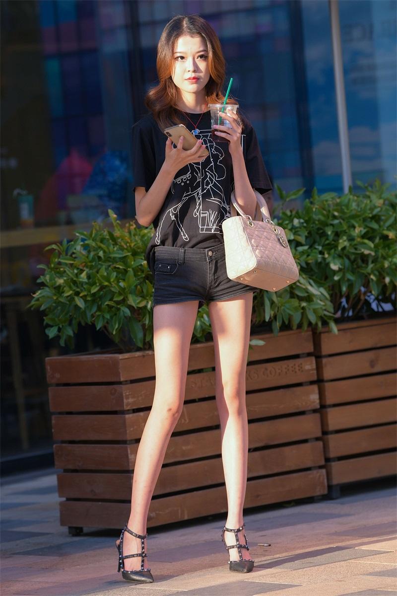 精选街拍 No.187 黑色热裤小姐姐 [134P/106MB] 精选街拍-第1张