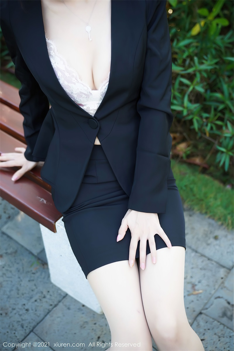 美女写真 职业装OL 张雨萌 [46P/467MB] 美丝写真-第2张