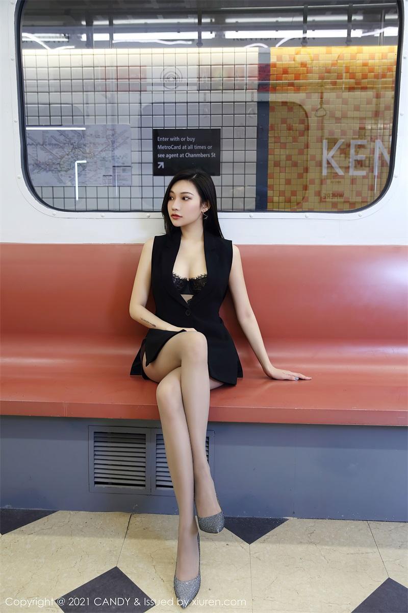 美女写真 地铁场景 小狐狸Kathryn [52P/491MB] 美丝写真-第4张