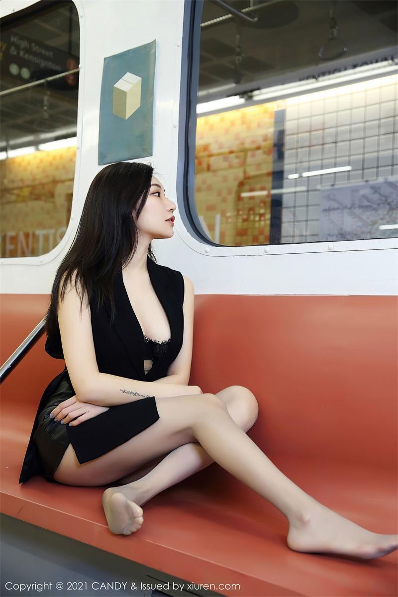 美女写真 地铁场景 小狐狸Kathryn [52P/491MB] 美丝写真-第3张