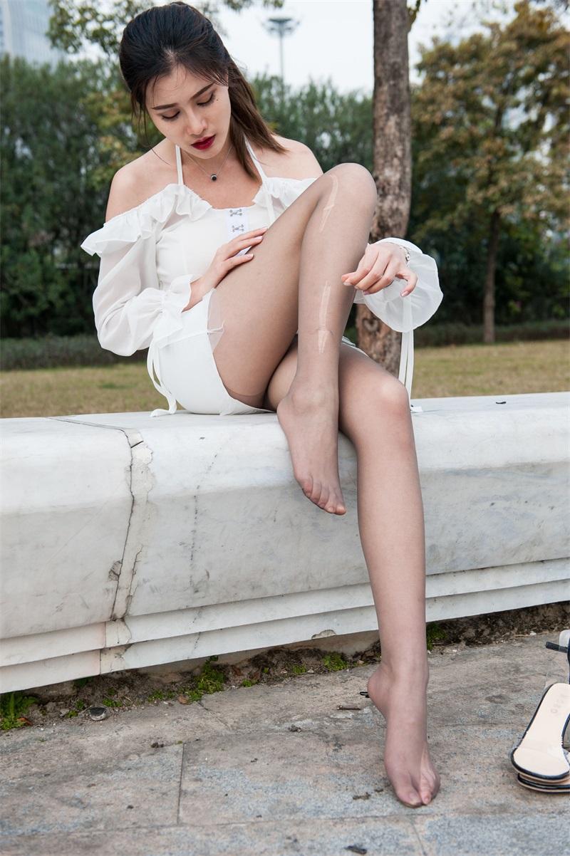 精选街拍 No.219 婷婷白色吊带连衣裙 [239P/1.31G] 精选街拍-第3张