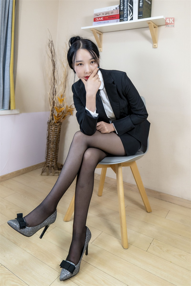 [Ligui丽柜] 2021.09.01《撩拨人的售楼小姐与她的薄丝袜》枫玥 [75P/106MB] LIGUI丽柜-第2张