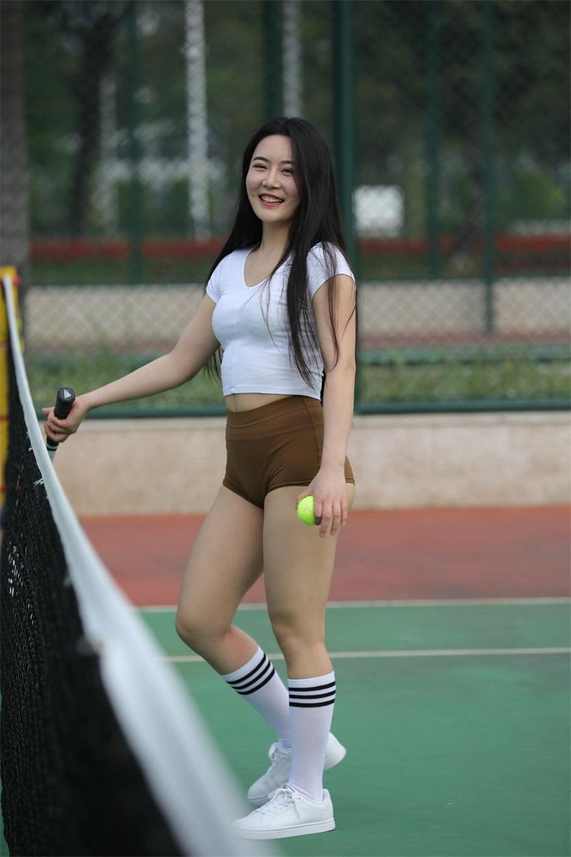 精选街拍 NO.247 棕色短裤运动的小姐姐 [307P/228MB] 精选街拍-第2张