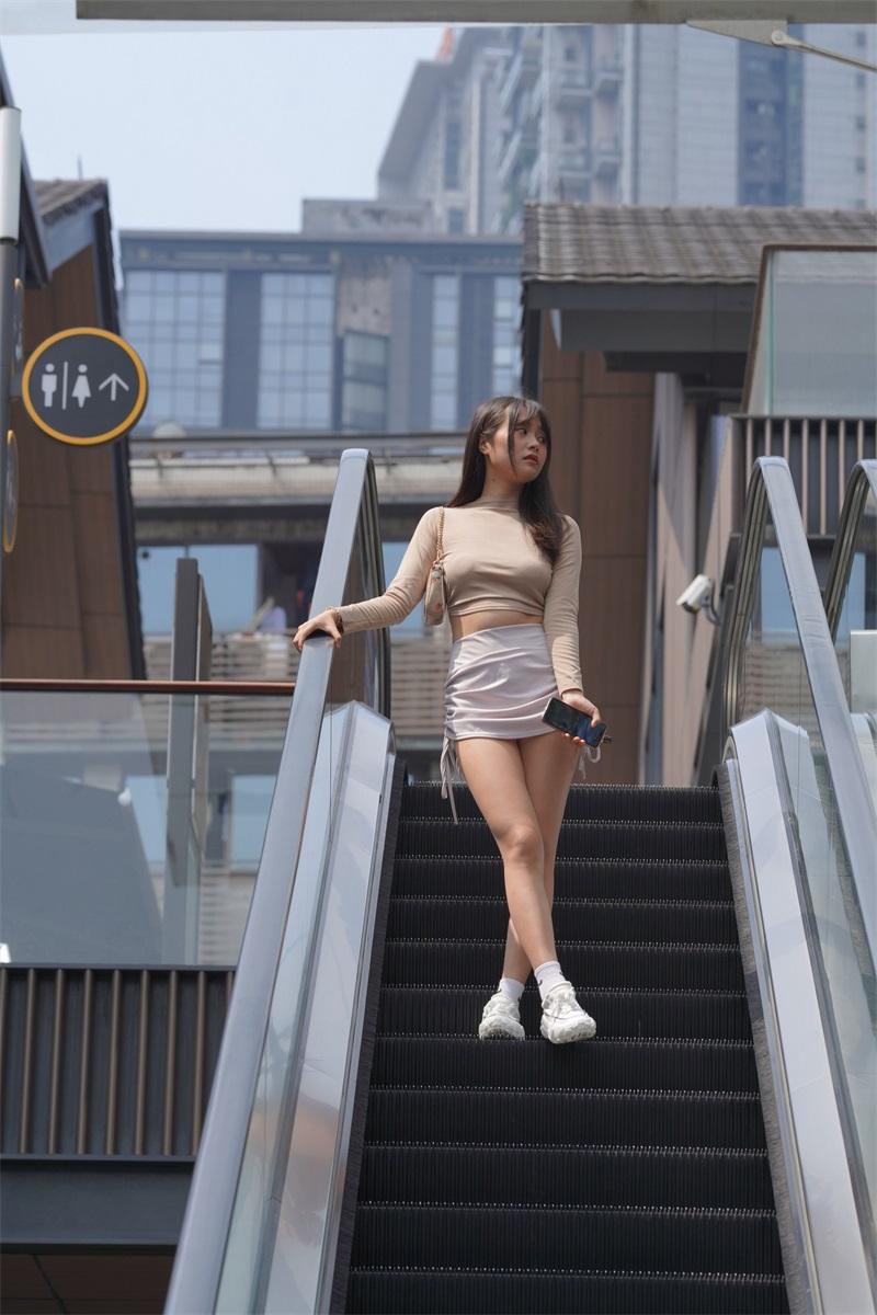精选街拍 NO.249 非常可爱的美女外拍2 [180P/185MB] 精选街拍-第3张