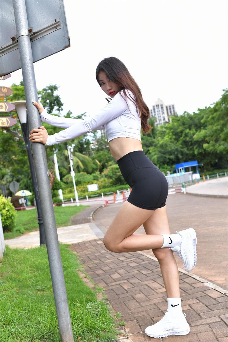 精选街拍 NO.251 紧身运动装的美女外拍 [230P/178MB] 精选街拍-第1张