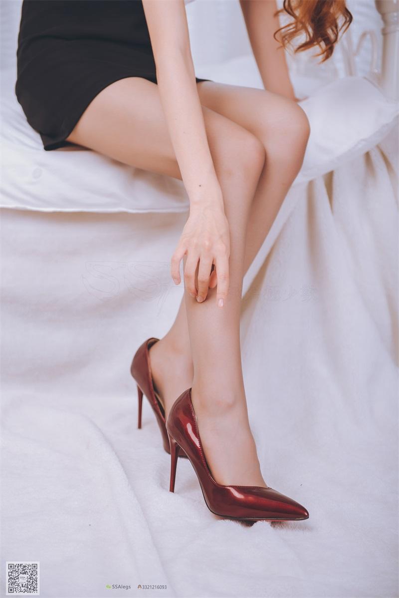 [SSA丝社] 超清版 NO.020 琪琪 女秘书闺房灰丝袜 [99P/845MB] SSA丝社-第4张