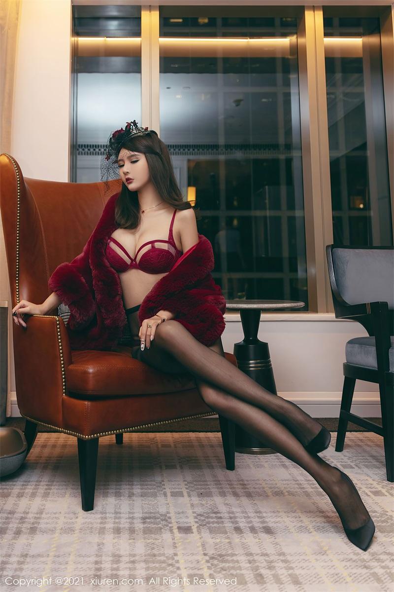 美女写真 一袭鲜艳猩红服饰贵妇装束 Emily尹菲 [61P/691MB] 美丝写真-第4张