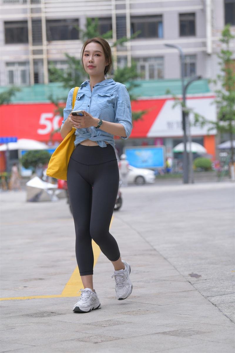 精选街拍 NO.262 黑色瑜伽裤女孩1 [352P/418MB] 精选街拍-第1张